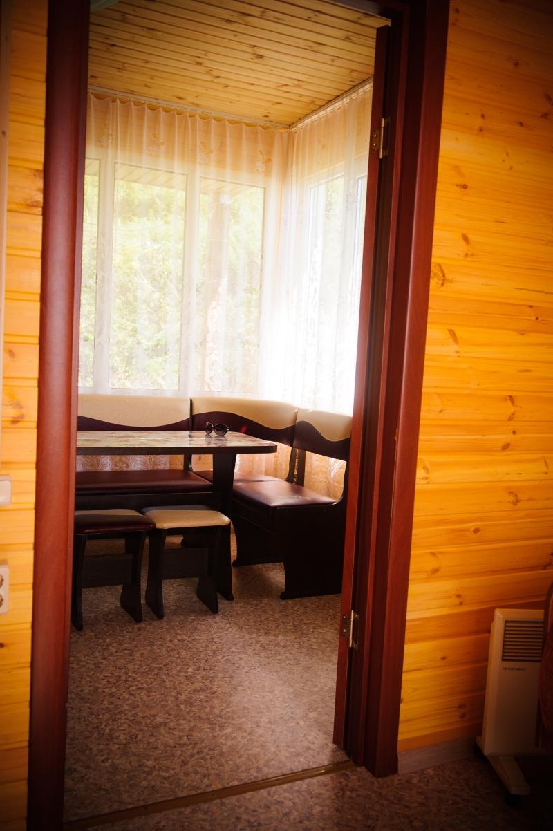 Малая база. Двухкомнатный домик. 2-ух и 3-ех местные комнаты.