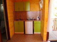 Малая база. Двухкомнатный домик. Кухня.